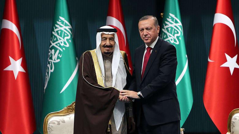 أردوغان يبدأ جولة خليجية: نولي أهمية بالغة لأمن السعودية واستقرارها