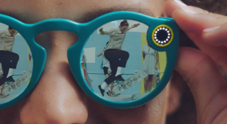 """أخيراً.. نظارات """"سناب تشات"""" معروضة للبيع بالإنترنت"""