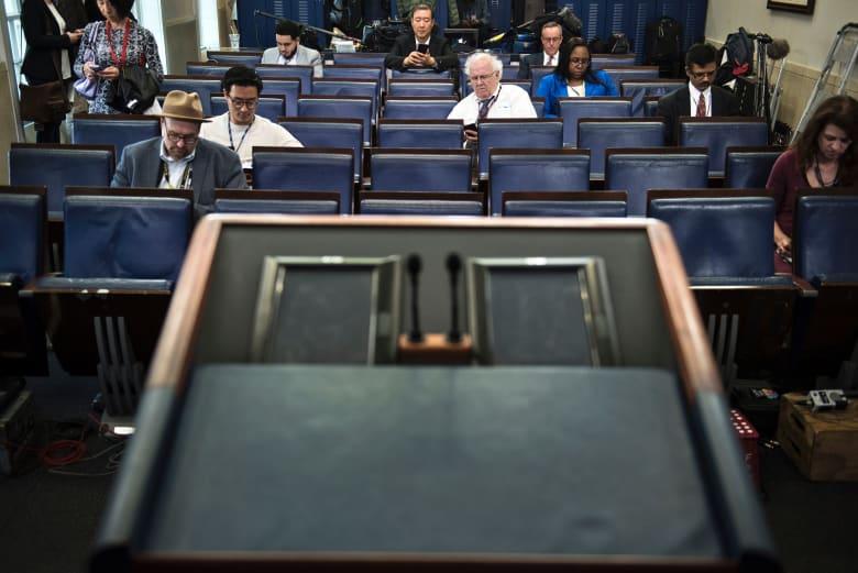 البيت الأبيض يمنع CNN ومؤسسات إعلامية من حضور مؤتمر صحفي