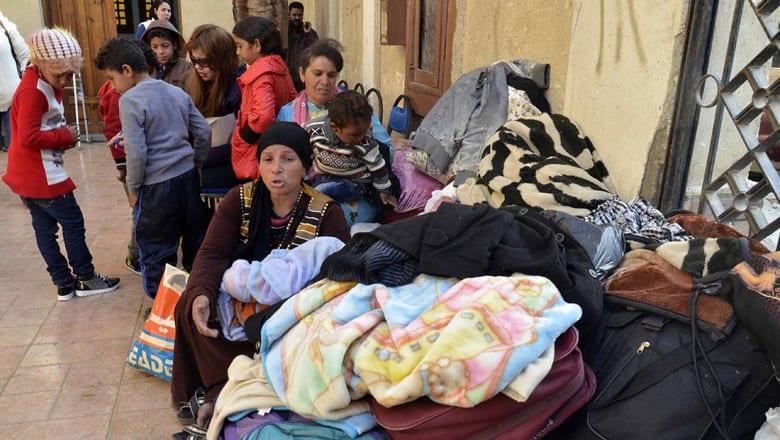 موجة نزوح للمسيحيين من شمال سيناء بعد هجمات داعش.. كيف تعاملت معها الحكومة والكنيسة؟