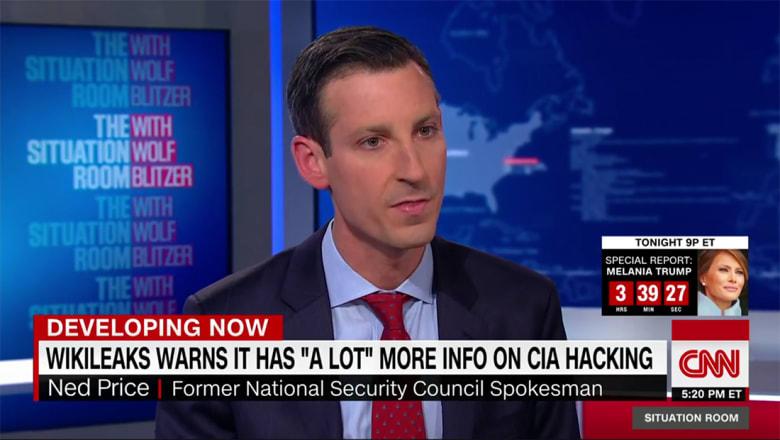 مسؤول سابق بـCIA يقارن لـCNN ادعاءات ويكيليكس بما قدمه سنودن