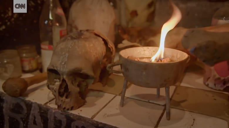"""استحضار الأرواح جزء من عباداتها لـ """"إله واحد"""".. تعرّف إلى الـ """"فودو"""""""