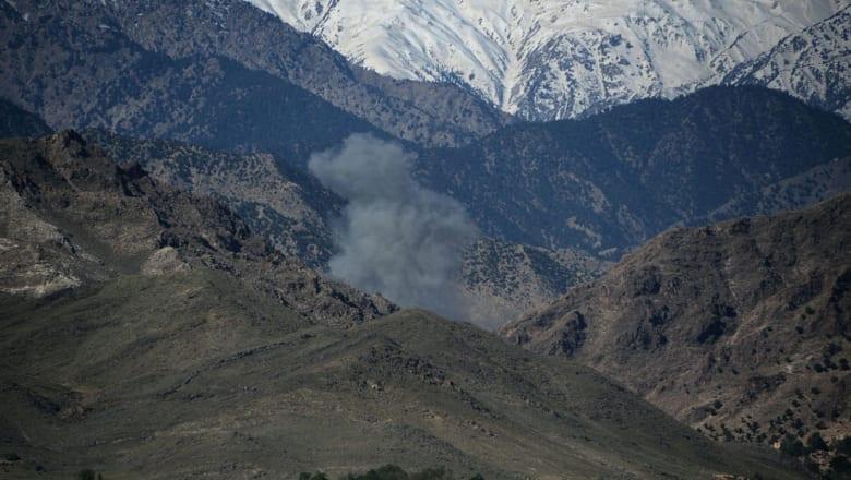 """کاملیا انتخابي فرد تكتب لـCNN عن """"الرسالة"""" التي بعثت بها أمريكا باستخدامها أقوى قنبلة غير نووية في أفغانستان"""
