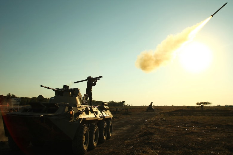 الإنفاق العسكري في 2016.. انخفاض في السعودية بـ30% وارتفاع في إيران بـ17%