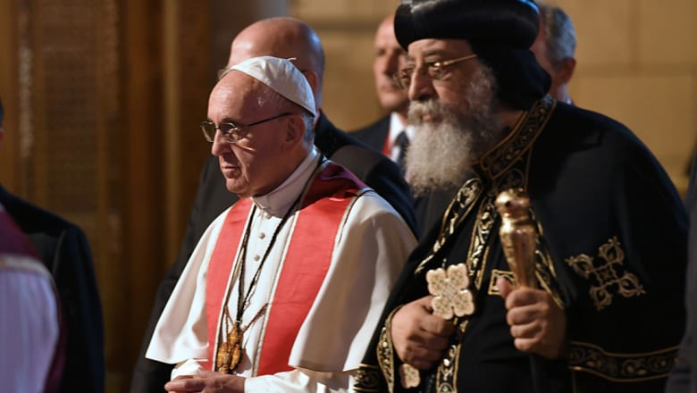 تواضروس وفرنسيس يترأسان صلاة مسكونية لكل الطوائف في الكنيسة البطرسية