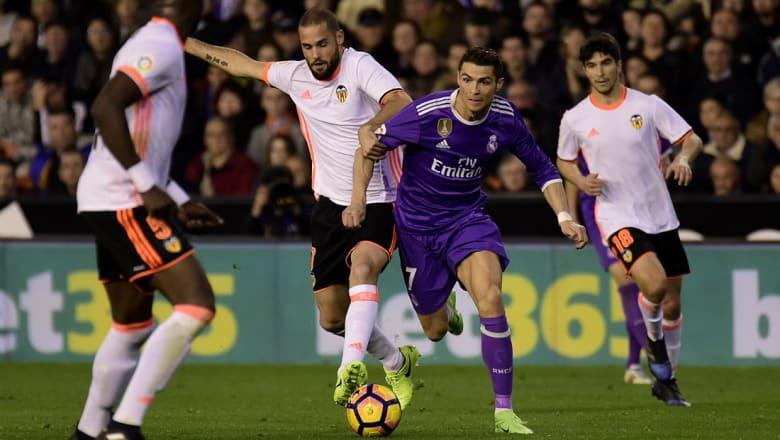 """ريال مدريد يستقبل فالنسيا وبرشلونة يخوض """"ديربي كتالونيا"""""""