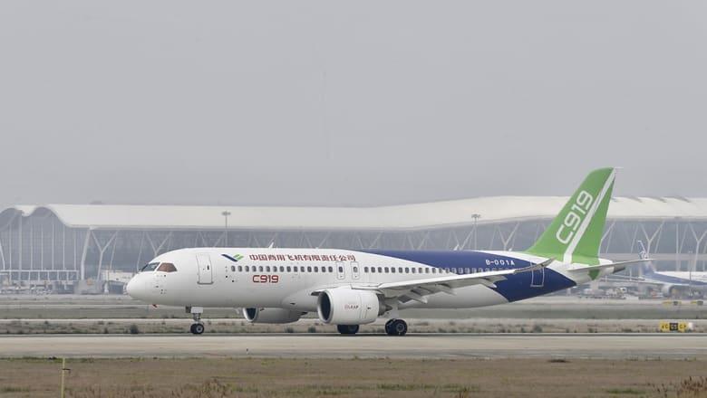 الصين تطلق أول طائرة نقل برحلة تجريبية وتتحدى مصنعي أمريكا وأوروبا