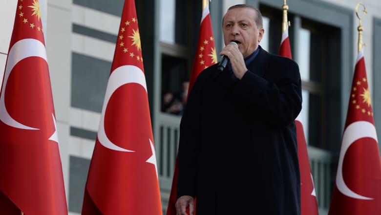 أردوغان: وثيقة حماس مهمة وحذرنا من نقل سفارة أمريكا للقدس
