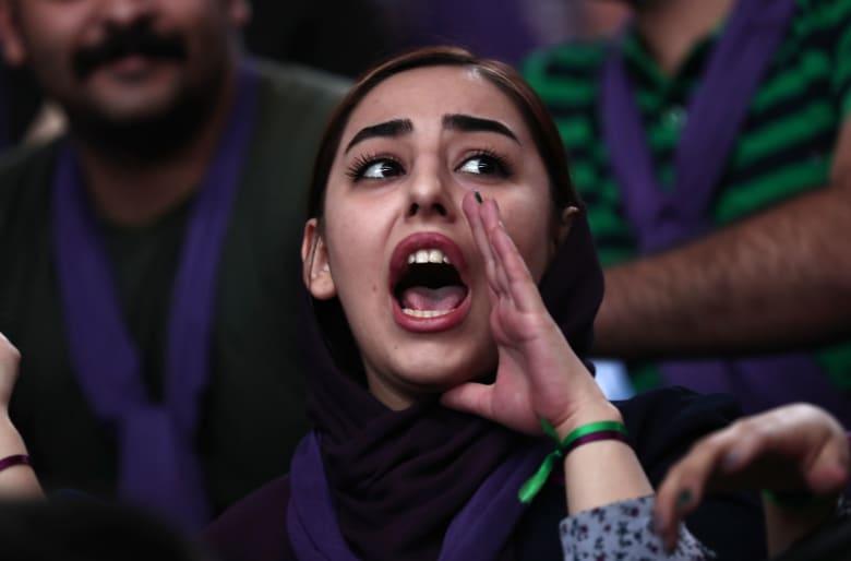 كامليا انتخابي فرد تكتب لـCNN: يستغل الشباب الانفتاح المحظور في إيران إلا في وقت الانتخابات
