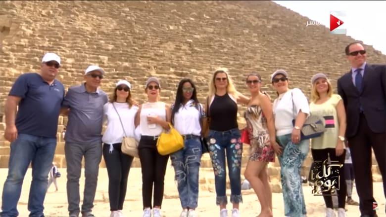 عمرو أديب ينشر فيديو لزيارة عائلة كريستيانو رونالدو: اخواته حلوين