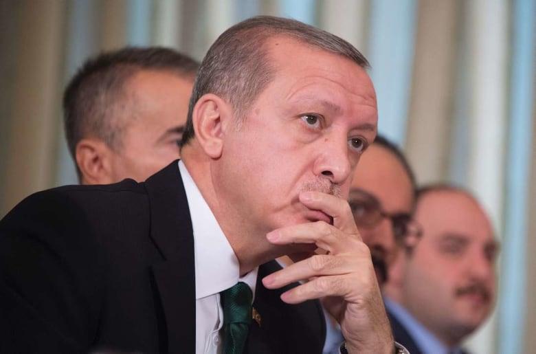 """تركيا """"حزينة"""" لقرار قطع العلاقات مع قطر.. وأردوغان يتصل بملك السعودية وأمير الكويت"""