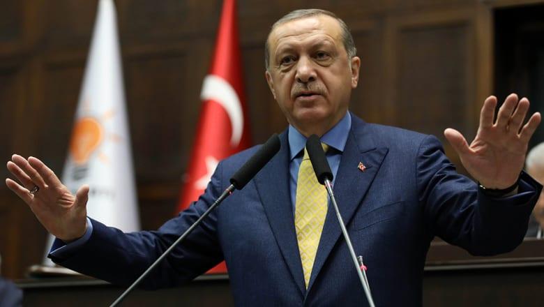 """أردوغان يدعو إلى """"رفع الحصار"""" عن قطر: نعرف من كان سعيدا في الخليج بمحاولة الانقلاب"""