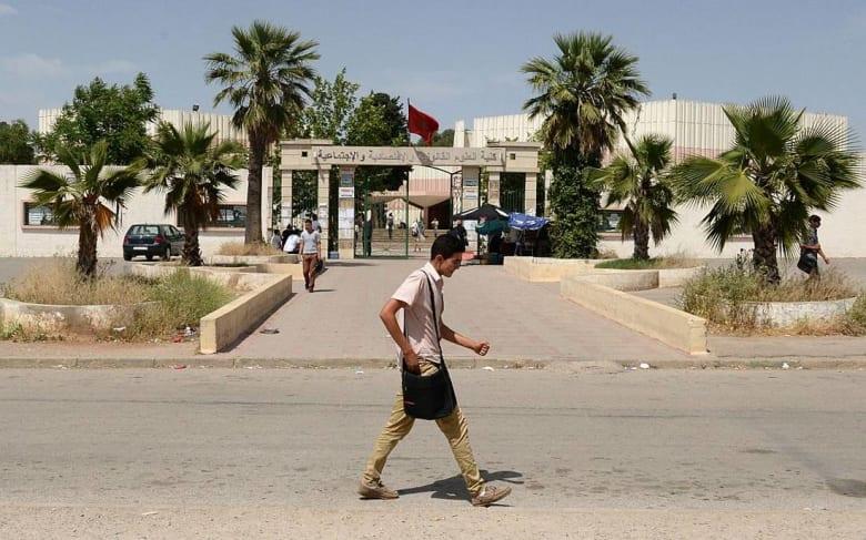 استنجاد الجامعة المغربية بأساتذة الثانوي يثير غضب الدكاترة الباحثين عن عمل