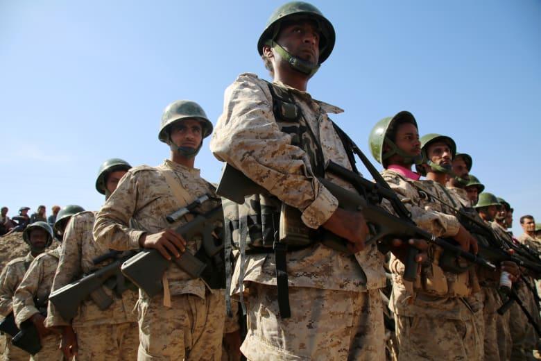 قوات يمنية تنفذ بدعم إماراتي وأمريكي عملية ضد القاعدة في اليمن