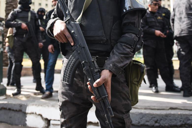 مصر.. أحد المتورطين باستهداف الكنائس يفجر نفسه أثناء ملاحقته