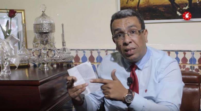 """صحفي مغربي يُدان بعام حبسا.. ويعلن بدءَ معركة """"الأمعاء الفارغة"""" احتجاجا"""