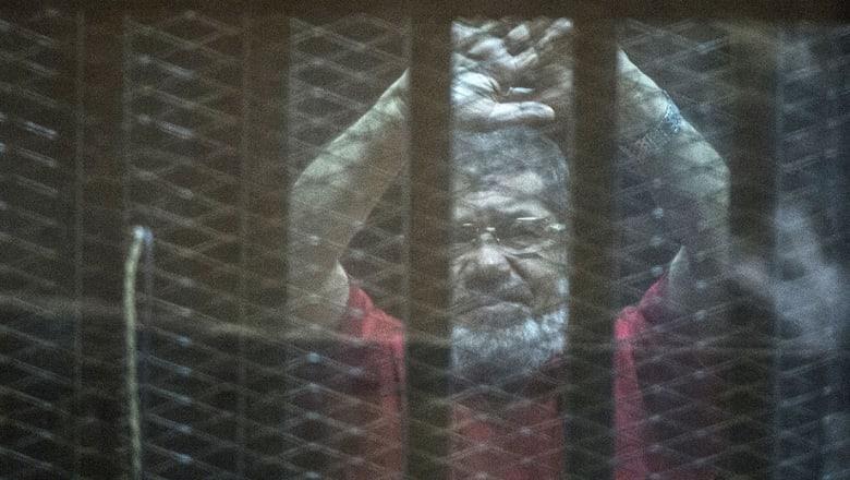 """النقض بمصر تؤيد حكم المؤبد بحق محمد مرسي بقضية """"التخابر مع قطر"""""""