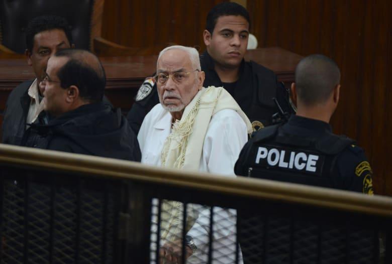 نجل محمد مرسي ينعى المرشد العام السابق للإخوان: لم يخضع قط للطغاة