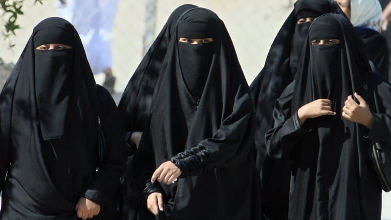 قرقاش بعد السماح بقيادة المرأة السعودية: الأخبار المفرحة تتوالى