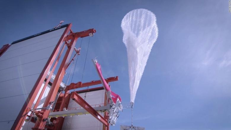 لماذا تحلق هذه البالونات العملاقة في سماء بورتوريكو؟