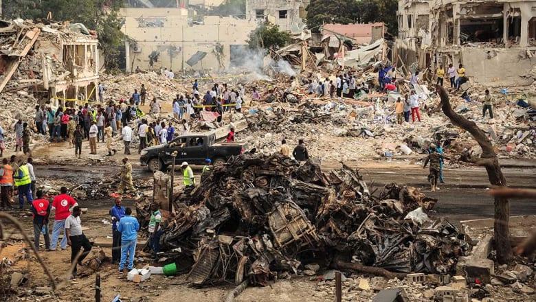 الصومال: ارتفاع عدد قتلى انفجاري مقديشيو إلى 230.. ودبلوماسي قطري بين المصابين
