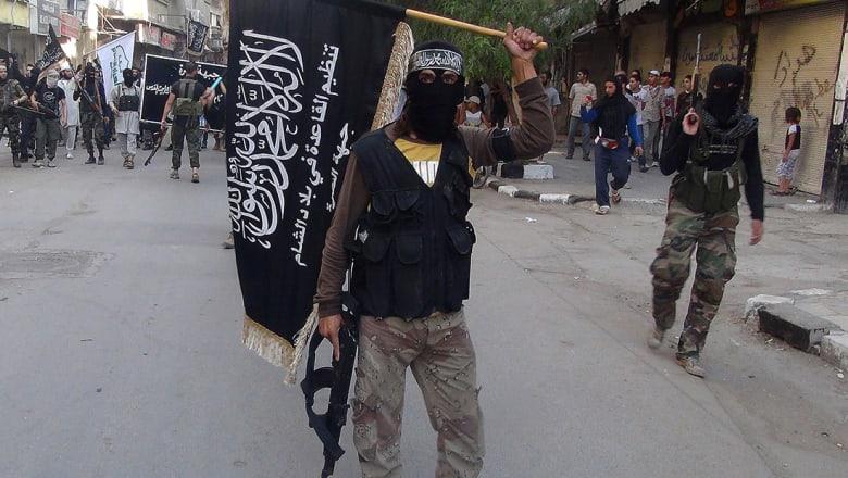 """بعد تحرير الرقة.. تقرير: الاعتقاد بوقوف تنظيم القاعدة كمراقب """"غباء"""""""
