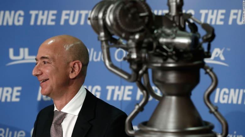 شركة بيزوس الفضائية تنجح باختبار محرك صاروخها الأول