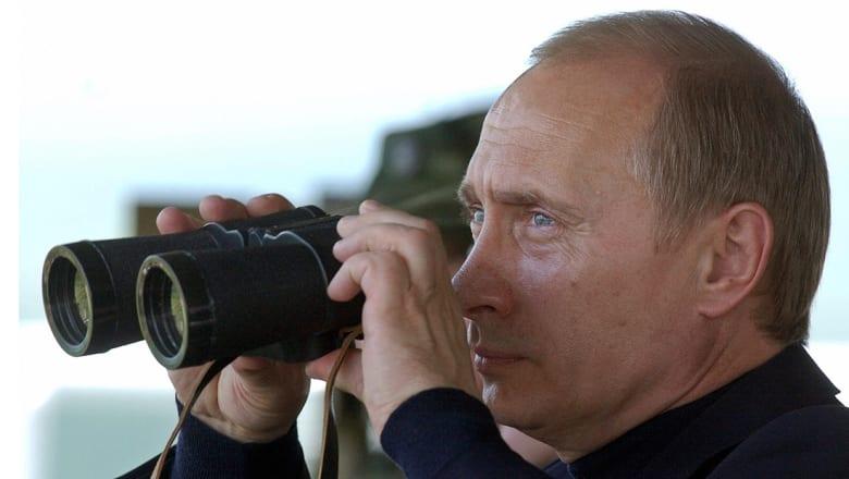 الرئيس الروسي يطلق شخصيا 4 صواريخ بالستية بتدريبات