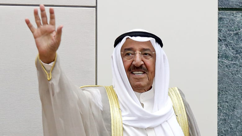 أمير الكويت يقبل استقالة الحكومة ويأمرها بتصريف الأعمال