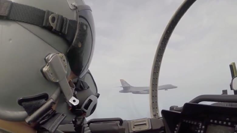 شاهد.. قاذفات أمريكية تحلق فوق كوريا الجنوبية