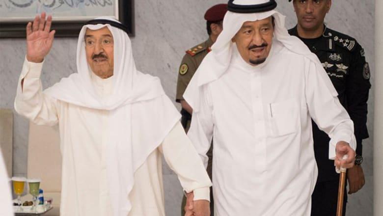 العاهل السعودي يتصل بأمير الكويت للاطمئنان على صحته