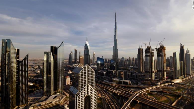 كيف أثرت الأزمة السعودية على سوق الأسهم بدبي؟