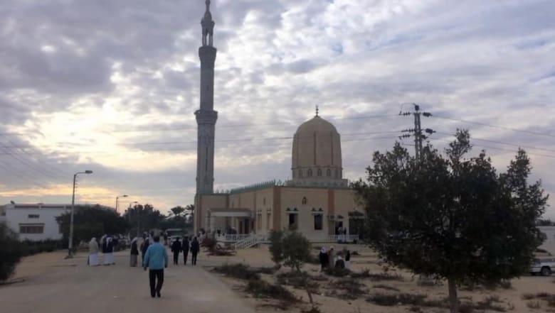 """شهود عيان يصفون """"مذبحة المسجد"""" في مصر.. هل تغيرت أهداف الإرهابيين؟"""