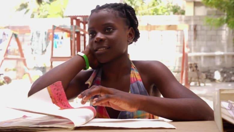 """التعليم يعطي الأمل لهذه الطفلة """"الخادمة"""""""