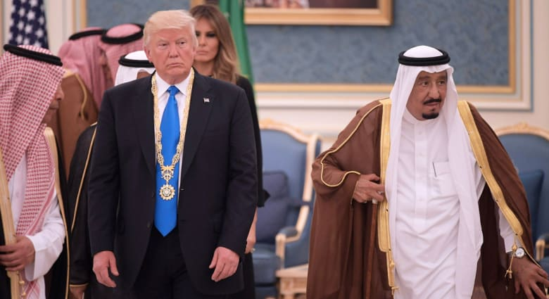 بعد الضجة حول صورة تجمع ترامب والملك سلمان بالجزائر.. حفيظ دراجي: من يتوعّد بالرد سيأتيه رد أقوى