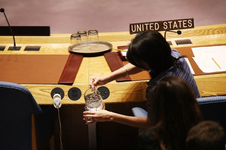 هايلي تعلن تقليص الميزانية الأمريكية بالأمم المتحدة: لن نسمح باستغلال كرم شعبنا