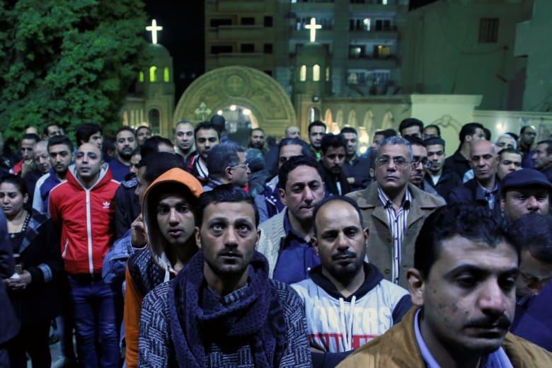 مطالب بمحاكمة عسكرية لمهاجمي دور العبادة بمصر ودفن جماعي لضحايا حلوان