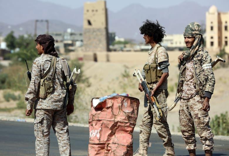 هادي يشيد بانتصارات نهم وقائد الجيش: مصرون على التقدم نحو صنعاء