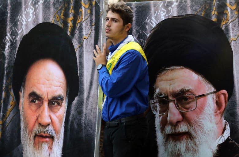 """إيران: 21 قتيلا بالاحتجاجات وخامنئي يتهم """"الأعداء"""" بالتحالف"""