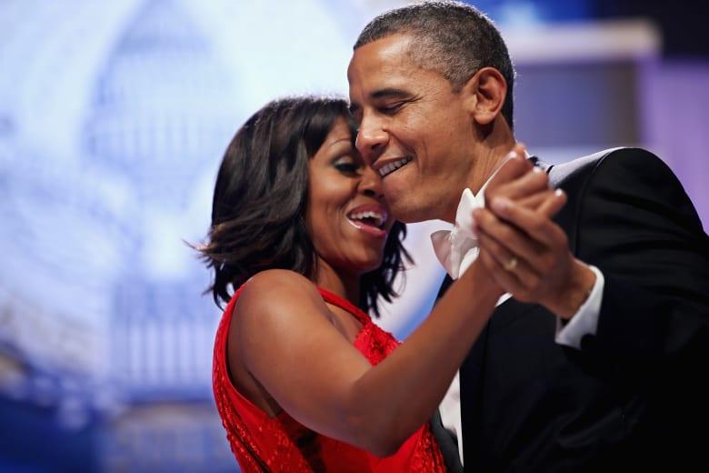 """شاهد.. أوباما يتحدث عن مهاراته في الرقص و""""البقاء في المخبأ"""""""