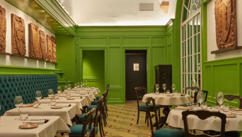 """داخل مطعم """"غوتشي"""" الفاخر في ايطاليا"""
