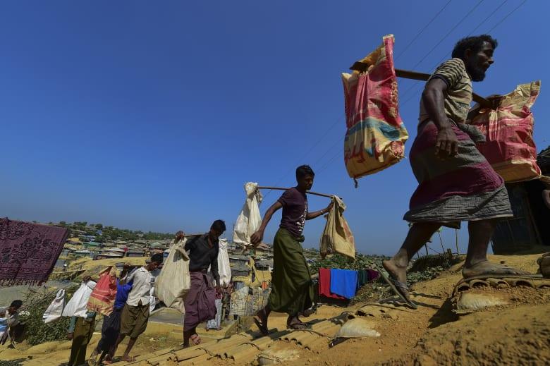 مقرب من رئيسة ميانمار يستقيل منددا بمعالجة ملف الروهينغا