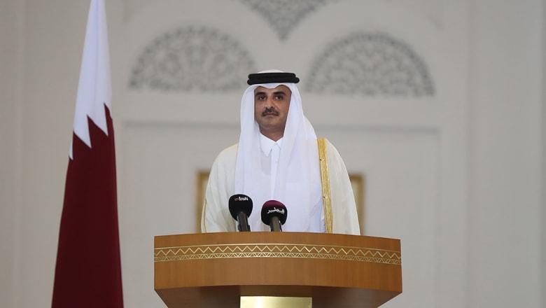"""بأول مراسلة رسمية منذ الأزمة.. ماذا جاء ببرقية عزاء أمير قطر لـ""""أخيه"""" رئيس الإمارات بوفاة والدته؟"""