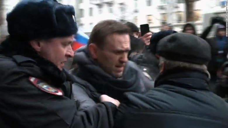إطلاق سراح المعارض الروسي نافالني.. شاهد القصة بأكملها