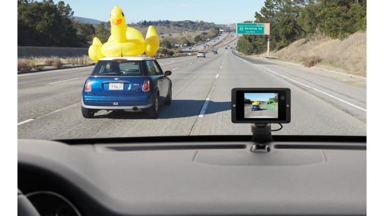 هذه الكاميرا ستراقب سلامة سيارتكم خلال غيابكم