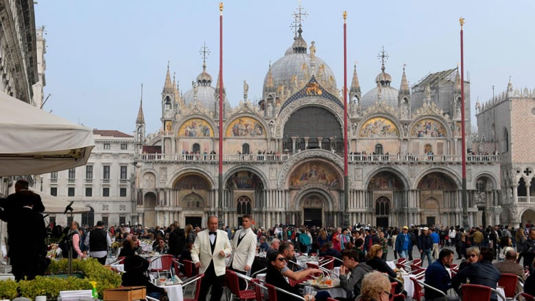 """كيف تتجنب """"الفخاخ السياحية"""" في البندقية؟"""