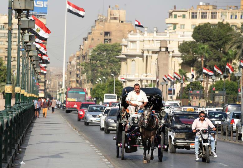 """المنطقة في """"حرب شوارع"""".. القاهرة تزيل اسم سلطان عثماني"""