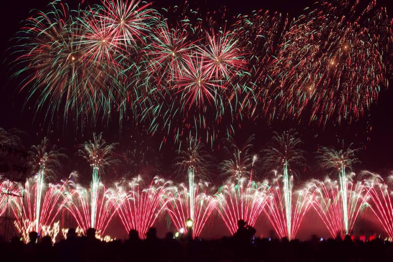 شاهد كيف تصنع الألعاب النارية في أكبر المصانع الصينية