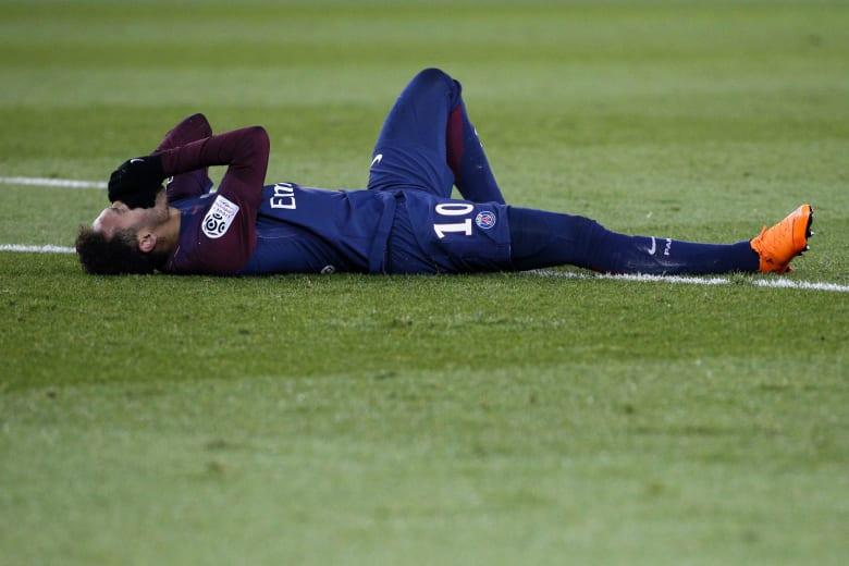 """نيمار يتمسك بـ""""بصيص الأمل"""" للمشاركة في مباراة ريال مدريد"""