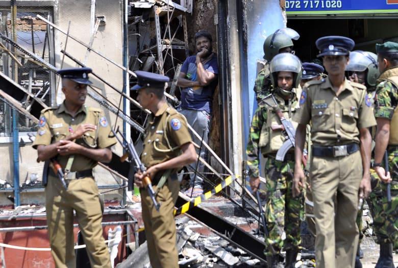 سريلانكا تعلن الطوارئ لوقف عنف طائفي بين البوذيين والمسلمين